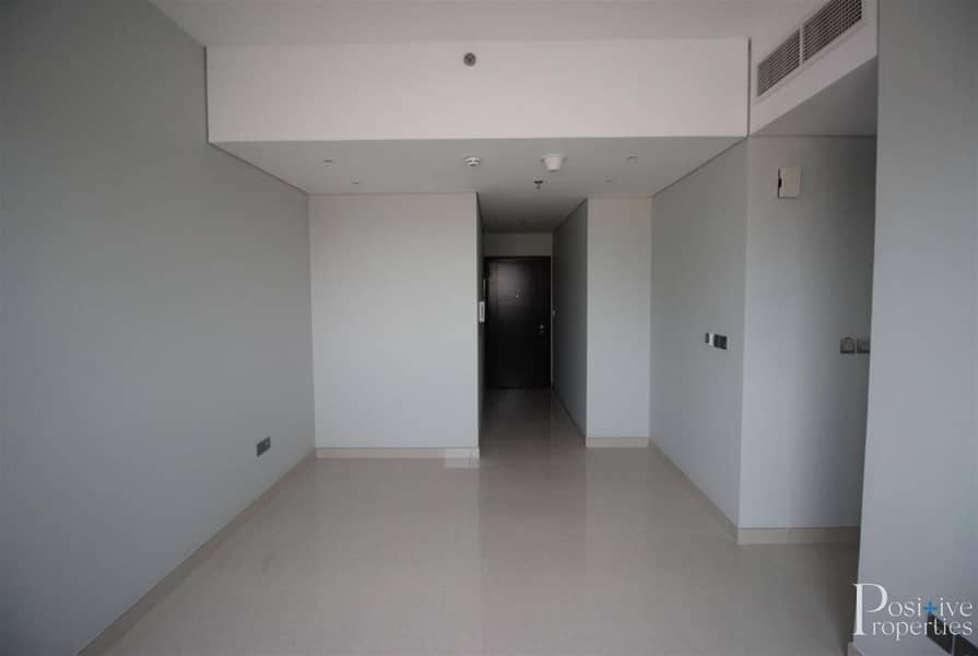 2 Limited Opportunity|Without Balcony|Closed Kitchen