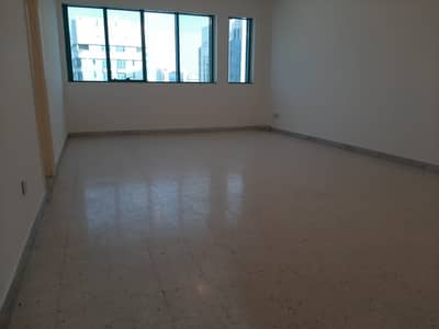 3 Bedroom Flat for Rent in Al Nasr Street, Abu Dhabi - Excellent deal Near the corniche