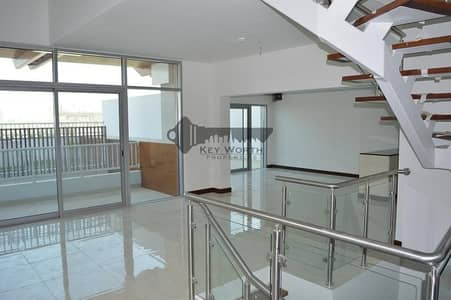 بنتهاوس 3 غرف نوم للايجار في قرية جميرا الدائرية، دبي - Stunning Triplex Penthouse   Private rooftop  S.pool  & Garden