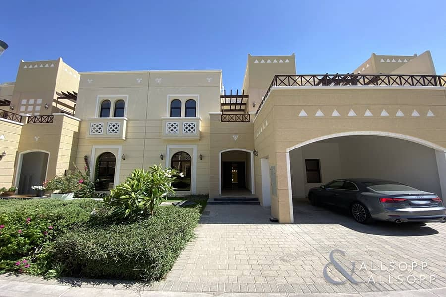2 Spacious Family Living  | 4 Bed | Vacant