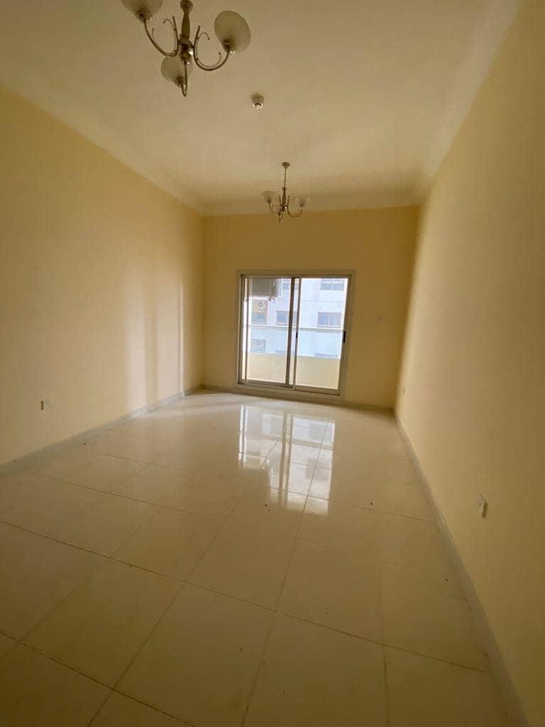 شقة في مدينة الإمارات 1 غرف 14000 درهم - 4604714
