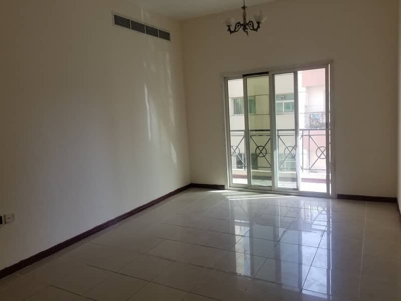 BEST OFFER  HUGE SIZE 1BHK CLOSE TO DIYAFAH SCHOOL WITH ALL AMENITIES ONLY IN 35K