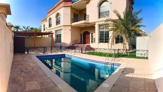 Excellent 5 bedroom plus maid independent villa with pvt pool and garden in Jumeirah 3