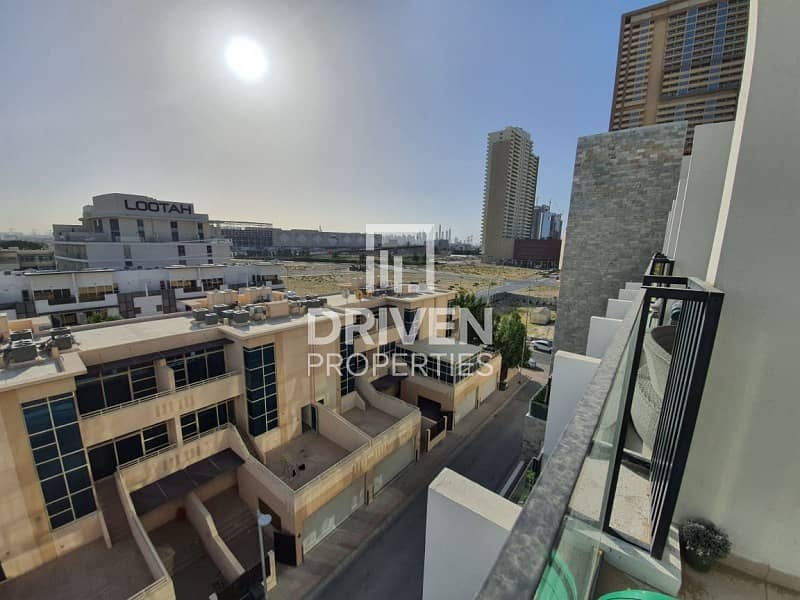 2 Amazing Duplex 1 Bedroom Unit with Terrace