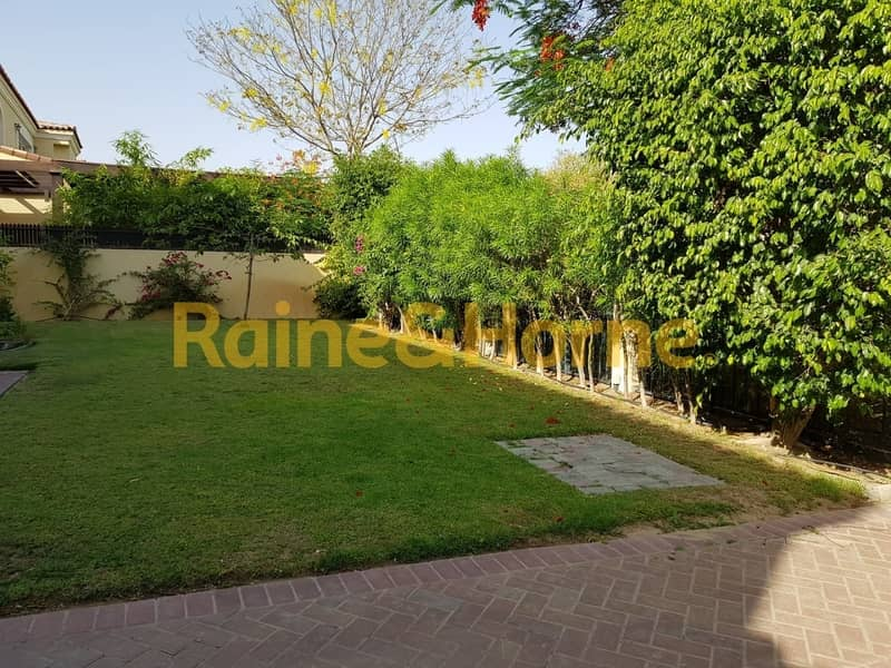 25 Family Villa   5BR   Well Maintained and Spacious