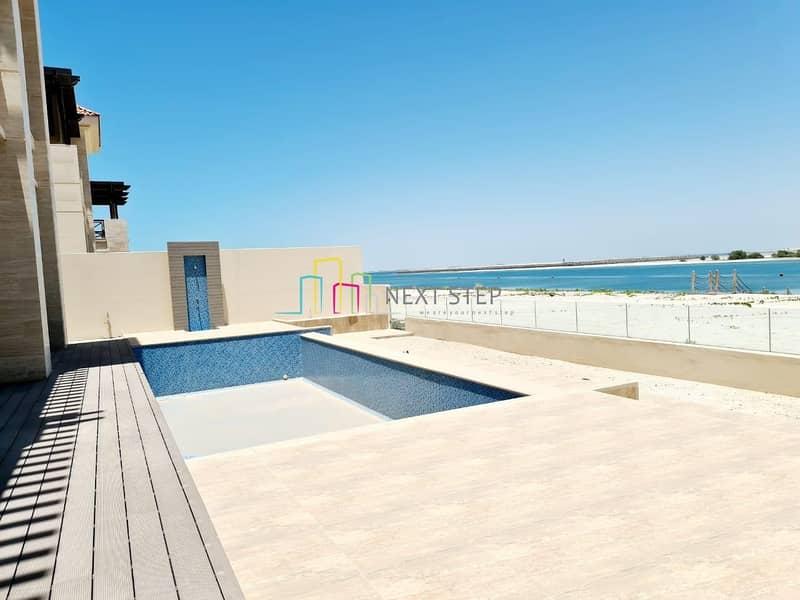 Scenic View: Attractive 7 BR Villa with Maid'sroom & Private Pool