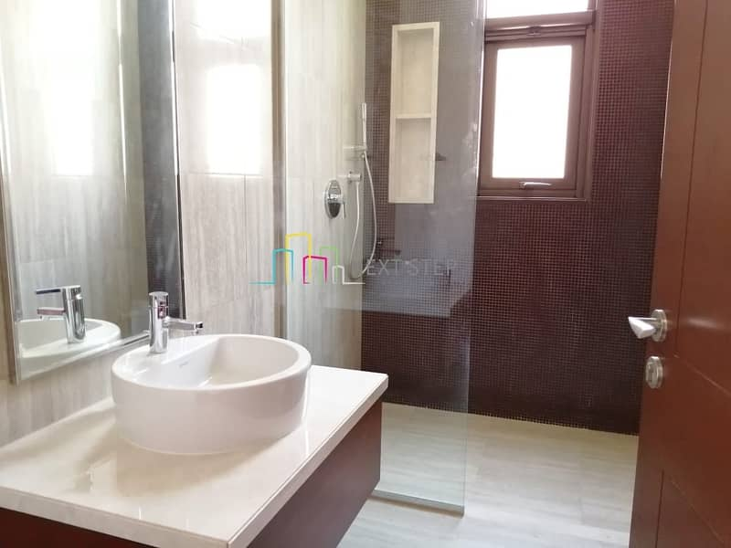 22 Scenic View: Attractive 7 BR Villa with Maid'sroom & Private Pool
