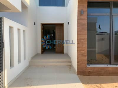 3 Bedroom Villa for Sale in Yas Island, Abu Dhabi - Luxrious Villa in Yas!! | 5 Years Free Service Charge