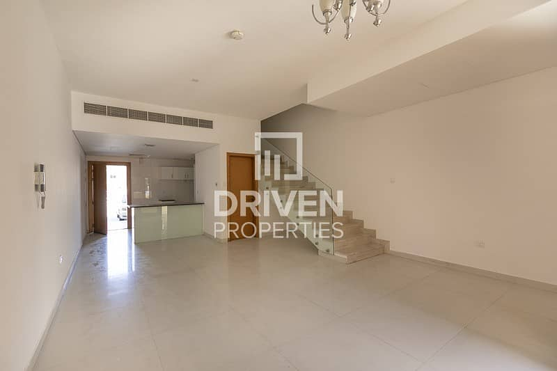 2 Well Maintained 3 Bedroom Villa for Rent
