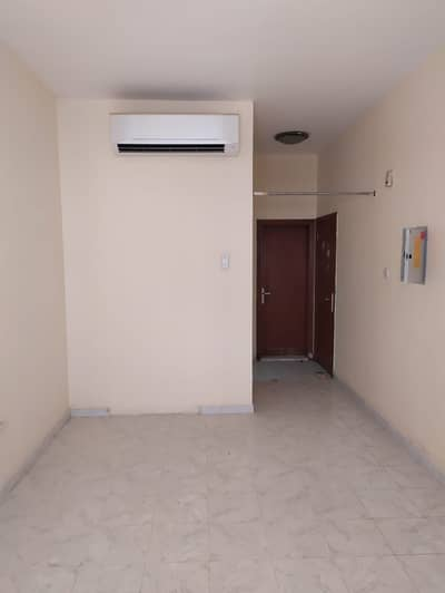 Studio for Rent in Deira, Dubai - |No Commision|One Month Free|Spacious Studio with Closed Kitchen for Rent|