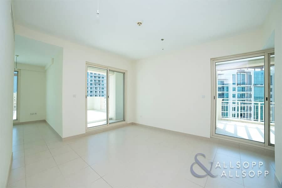 2 2 Bedroom Plus Large Terrace | Canal View