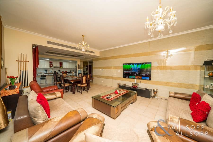 2 Super Size | Open Living | Upgraded | 2Bed