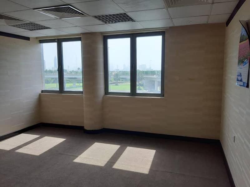 YEARLY CONTRACT OFFICE SPACE NO COMMISSION WITH FREE DEWA/WIFI AND CHILLER