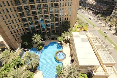 Burj Khalifa and Pool Views | One Bedroom