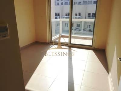 تاون هاوس 3 غرف نوم للايجار في المدينة العالمية، دبي - 3BR+Maid | Kitchen Equipped | Community View