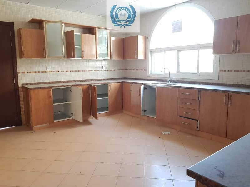 21 Natural Light + Spacious Stand Alone 5Bedrooms Villa with Parking space