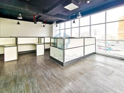Great Opportunity Spacious Office + 2M/Free