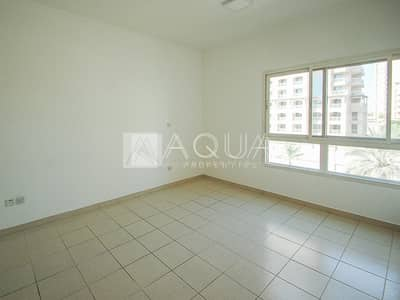 1 Bedroom Flat for Rent in The Greens, Dubai - Renovated Unit | Chiller free | Vacant now