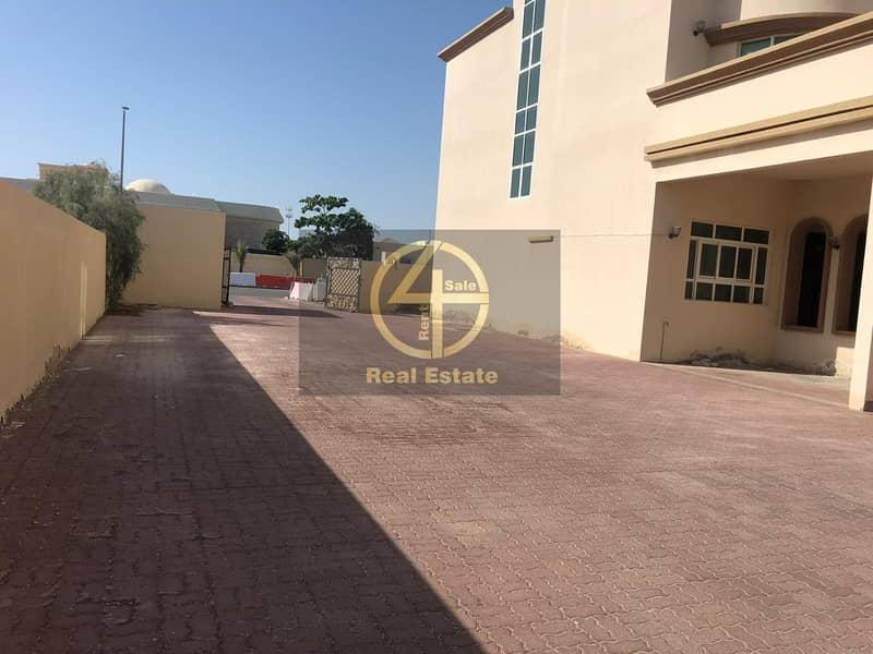 28 Luxury 4BR Villa Maid's + Garden in Khalifa A