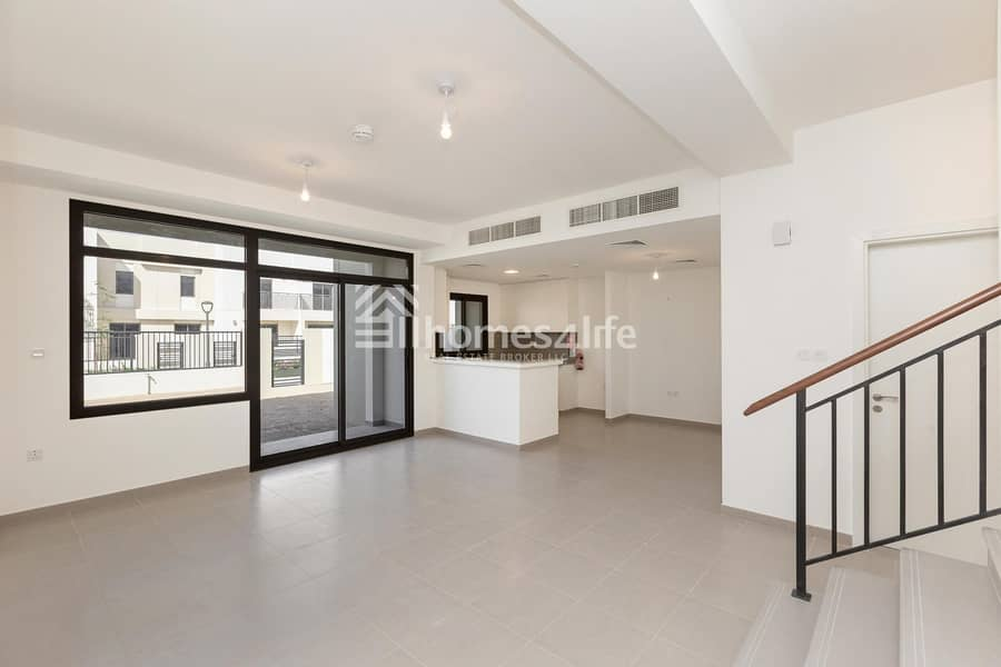 In Demand Brand New 3 Bed Town House Close to Park and Pool