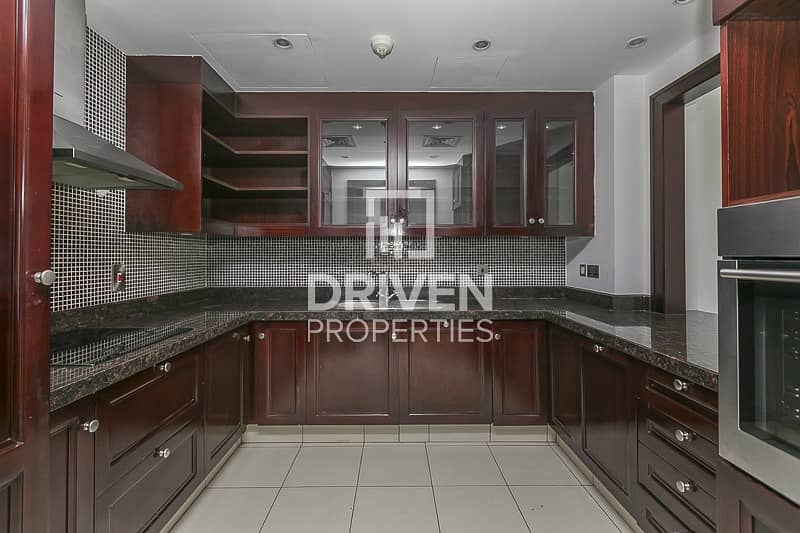 18 Stunning and Spacious 2 Bedroom Apartment