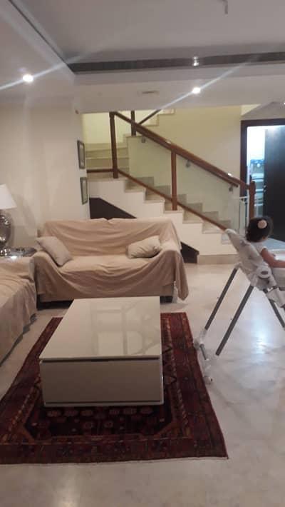 فیلا 3 غرف نوم للبيع في الخليج التجاري، دبي - فیلا في الأبراج الإدارية الخليج التجاري 3 غرف 3100000 درهم - 4607258