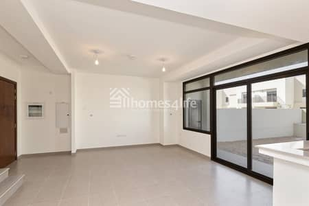 Elegant  Brand New 3 Bed Town House Close to Park and Pool