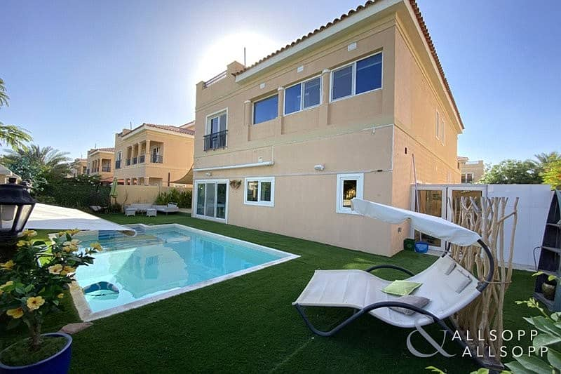 10 Fully Upgraded Villa | 4 Beds Plus Maids<BR/>