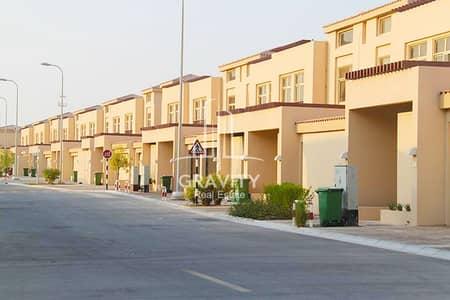 5 Bedroom Villa for Sale in Al Raha Golf Gardens, Abu Dhabi - Onw this Spectacular 5BR Villa in Narjis Golf Gardens
