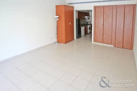 Studio for Rent in The Greens, Dubai - Studio Apartment | Unfurnished | Low Floor
