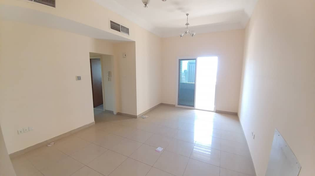 1 MONTH FREE AND GYM FREE WITH 2BHK ONLY ON 32K IN 6CHQS