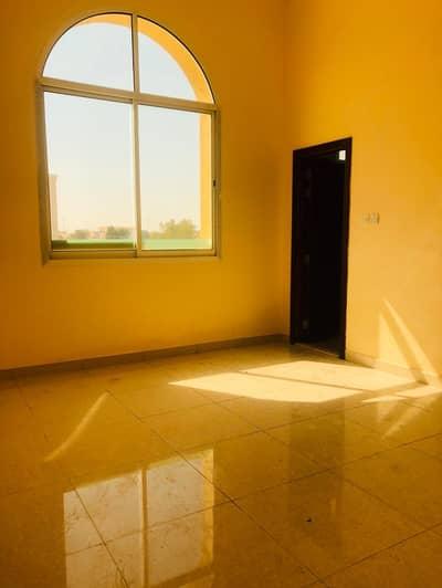 فلیٹ 1 غرفة نوم للايجار في بني ياس، أبوظبي - شقة في بني ياس شرق بني ياس 1 غرف 34000 درهم - 4580195