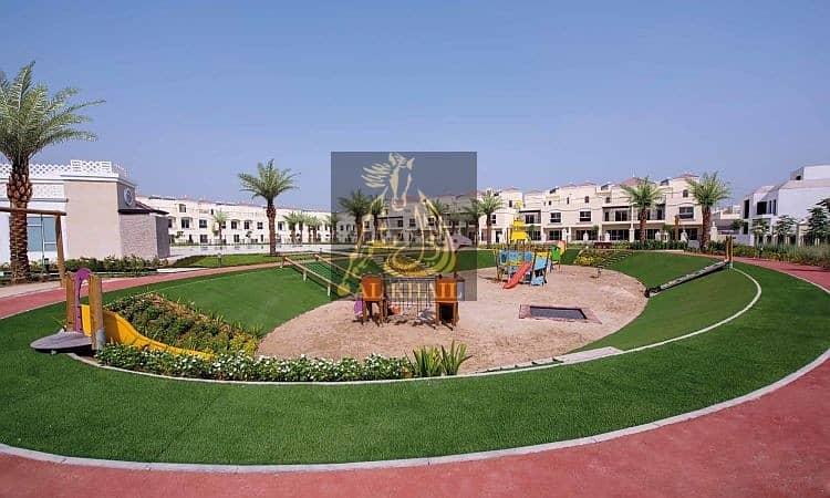 2 Move In To 4BR + maid Villa In Al Hamra Village With Post-handover