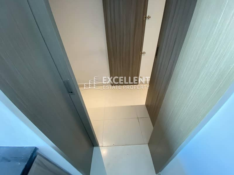 11 Brand New| Spacious 2BH Apt| Balcony| Parking