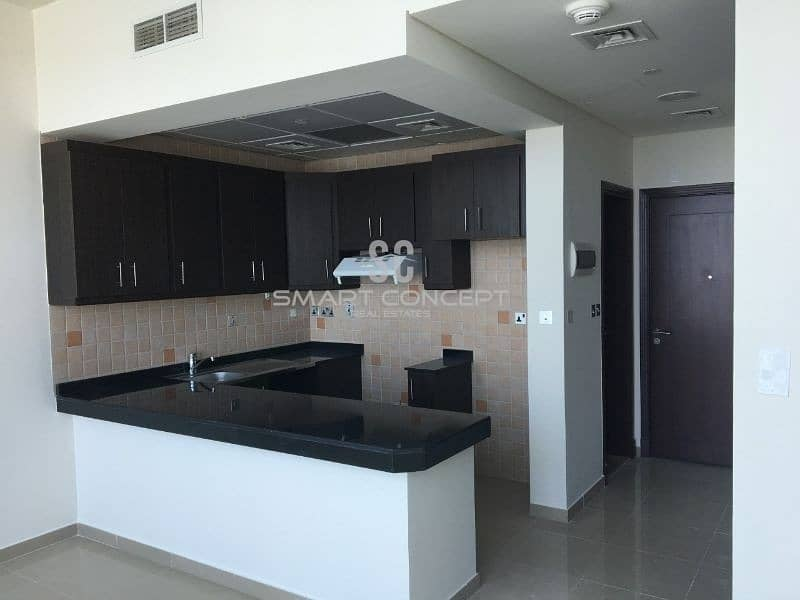 2 Amazing offer| Luxury Laden Living| Well maintained