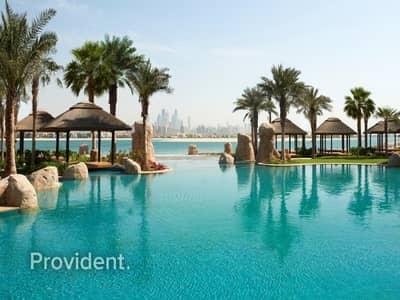 شقة 1 غرفة نوم للايجار في نخلة جميرا، دبي - Move-In and Experience Luxury in Waterfront Living