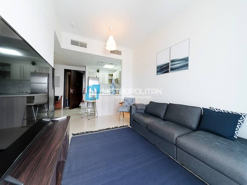 Fully furnished I Spacious 3 Bedroom w/ pool view