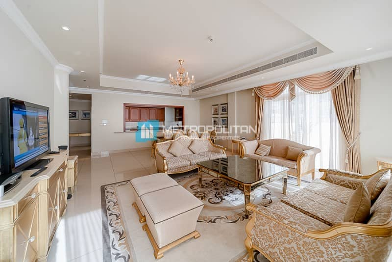 2 Corner Unit | Large Terrace with Swimming Pool |
