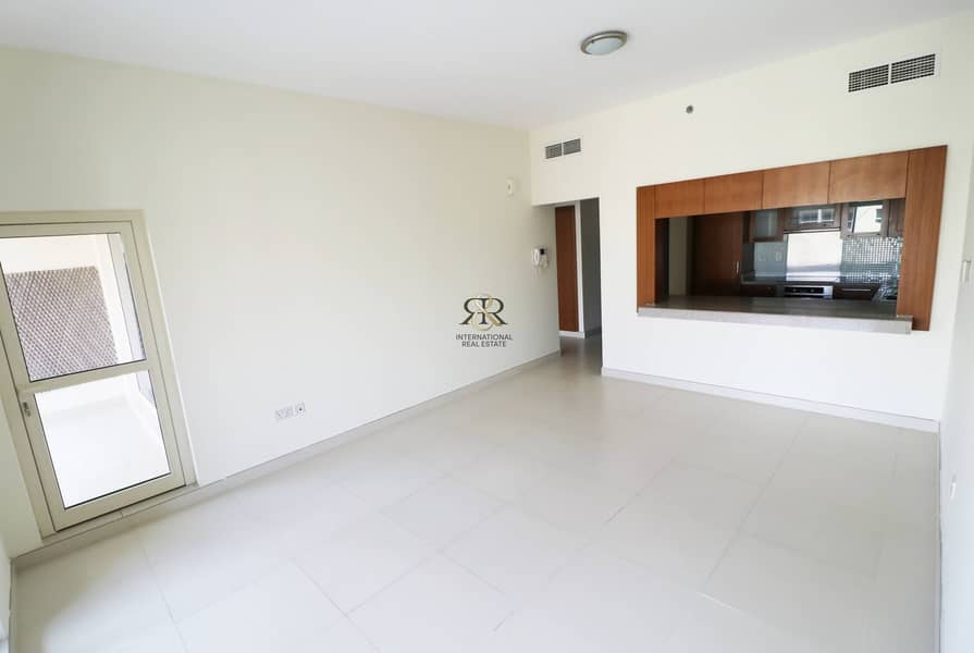 Well Maintained 1 Bed with Balcony in Mosela Tower