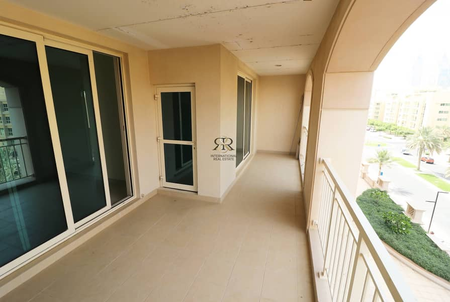 2 Well Maintained 1 Bed with Balcony in Mosela Tower