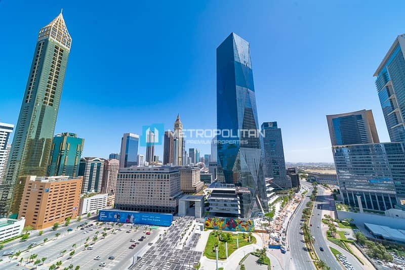 13 Panoramic Views to DIFC and Zaabeel | 1BR + Study