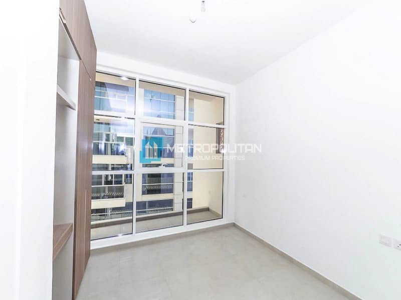 Modern/4 Bedroom ensuite/With Elevator/1 cheque