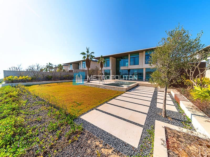 Front Row | Full Skyline view | Genuine Listing