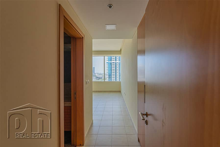 10   730 Dhms a Sq ft   Owner Will Take an Offer