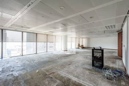 Office for Rent in Bur Dubai, Dubai - Mid Floor | Fitted and Partitioned Offices