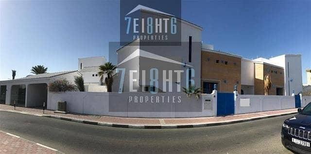 2 Commercial villa: 6 b/r indep villa excellent location directly on Al Wasl Road private parking