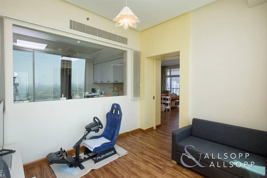 2 Exclusive | Skyline View | 2 Bedroom | VOT