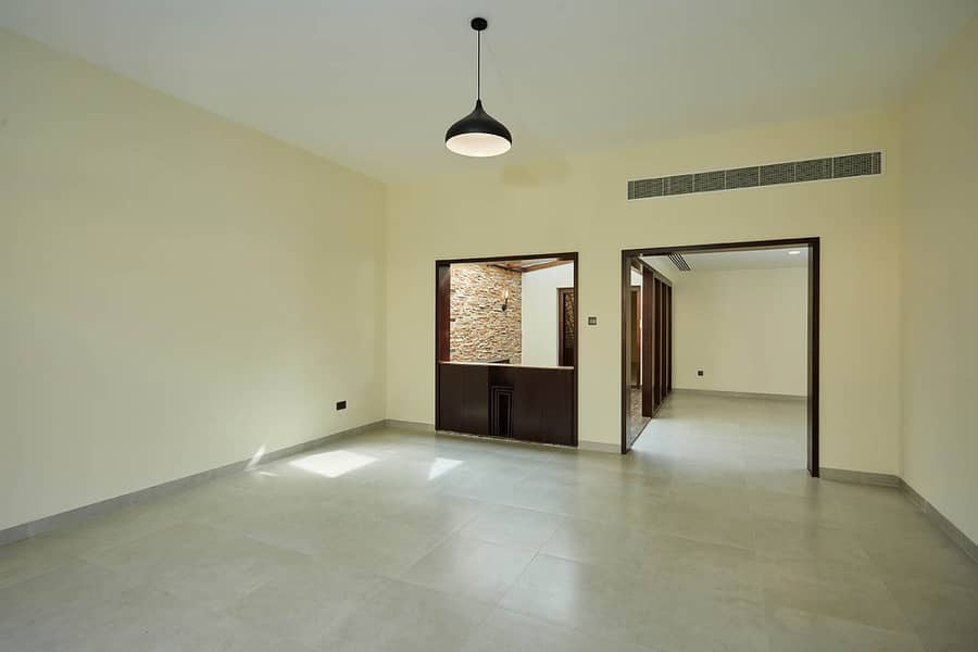 2 4BHK Single Storey Villa | No Commission | Recently Refurbished