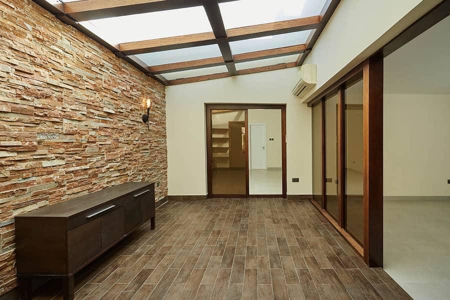 2 4BHK Single Storey Villa   No Commission   Recently Refurbished