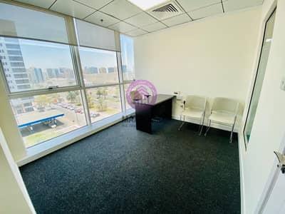 مکتب  للايجار في الدانة، أبوظبي - Convenient Location  in Madinat Zayed Tower